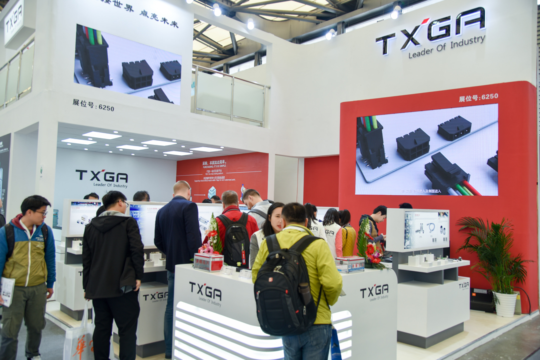 2019年3月20-22日,TXGA连接器供应商参加了在上海新国际博览中心举办的上海慕尼黑电子展,在此次展会中TXGA展出的产品有线对板连接器、圆形连接器、板对板连接器、rj45连接器等连接器和连接线。